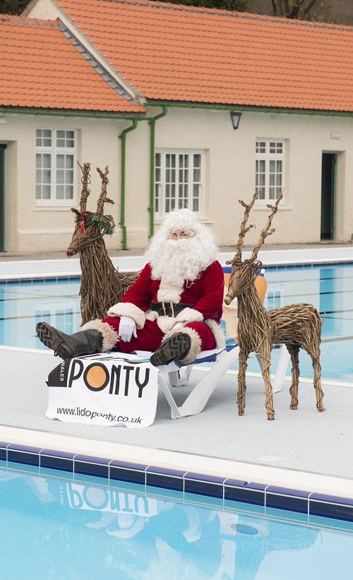 Santa at the Lido-1