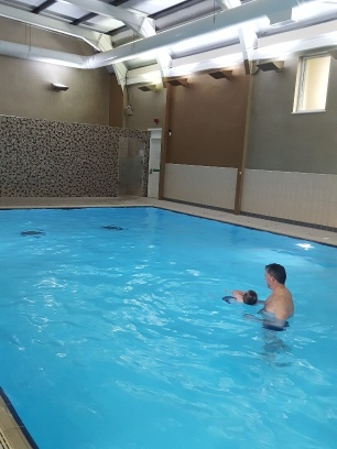 Mr Toddler attempts backstroke with dad!